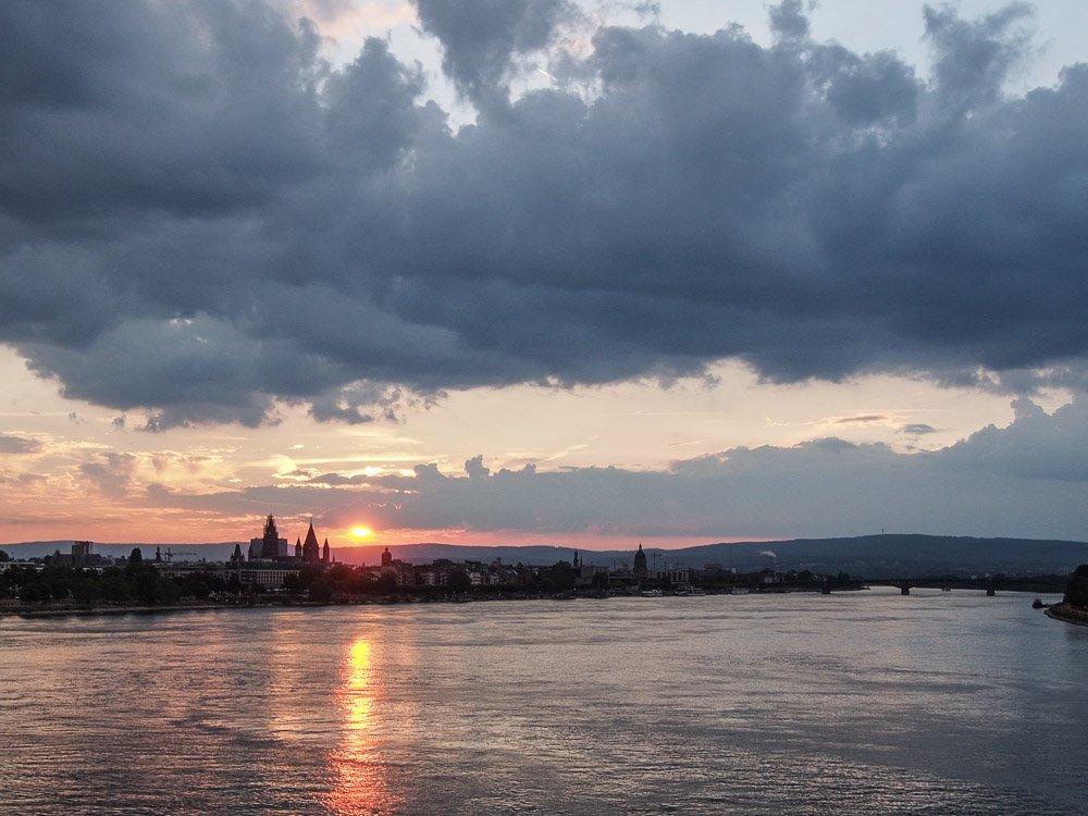 Main und Rhein bei Wiesbaden