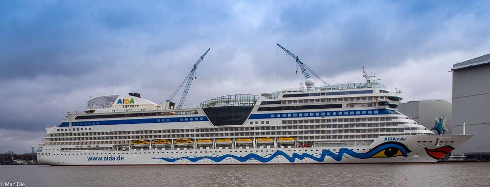 Aida Stella im Werfthafen Papenburg