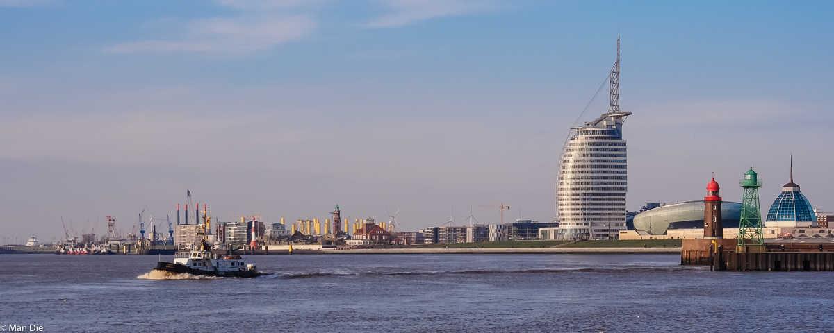 Bremerhaven, Skyline mit Weserufer