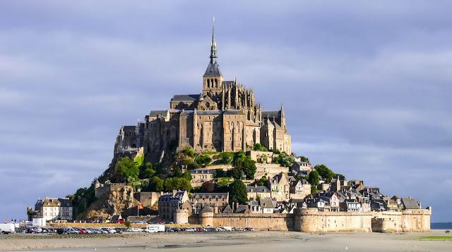Mont St. Michel am frühen Morgen