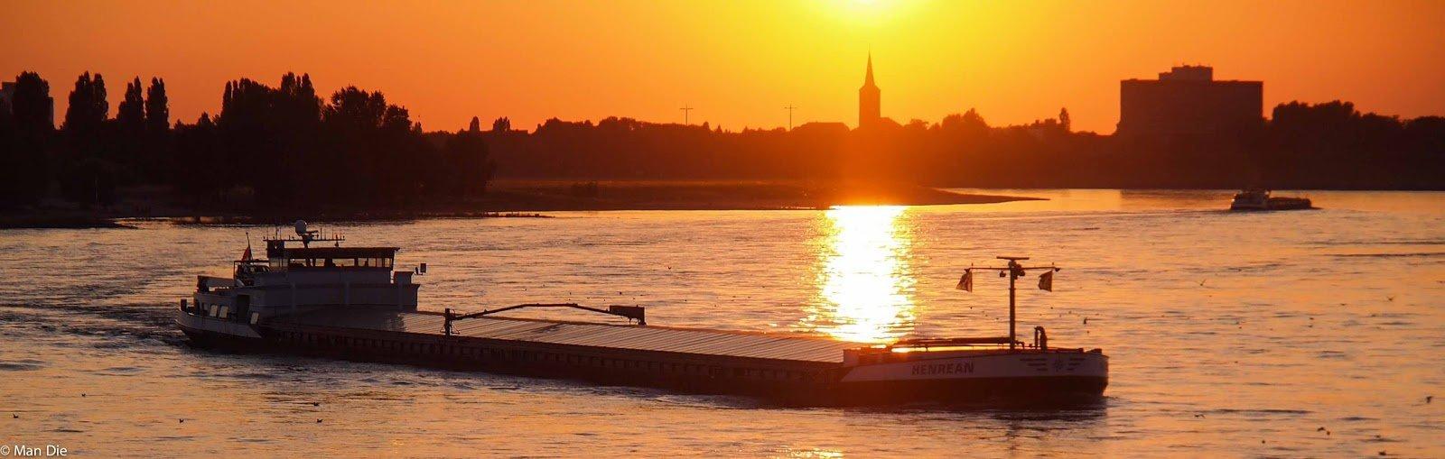 Abend am Rhein