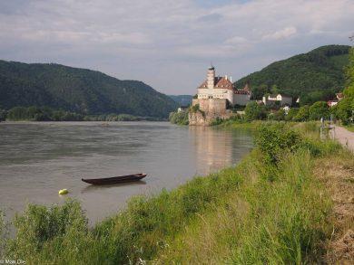 Burg an der Donau