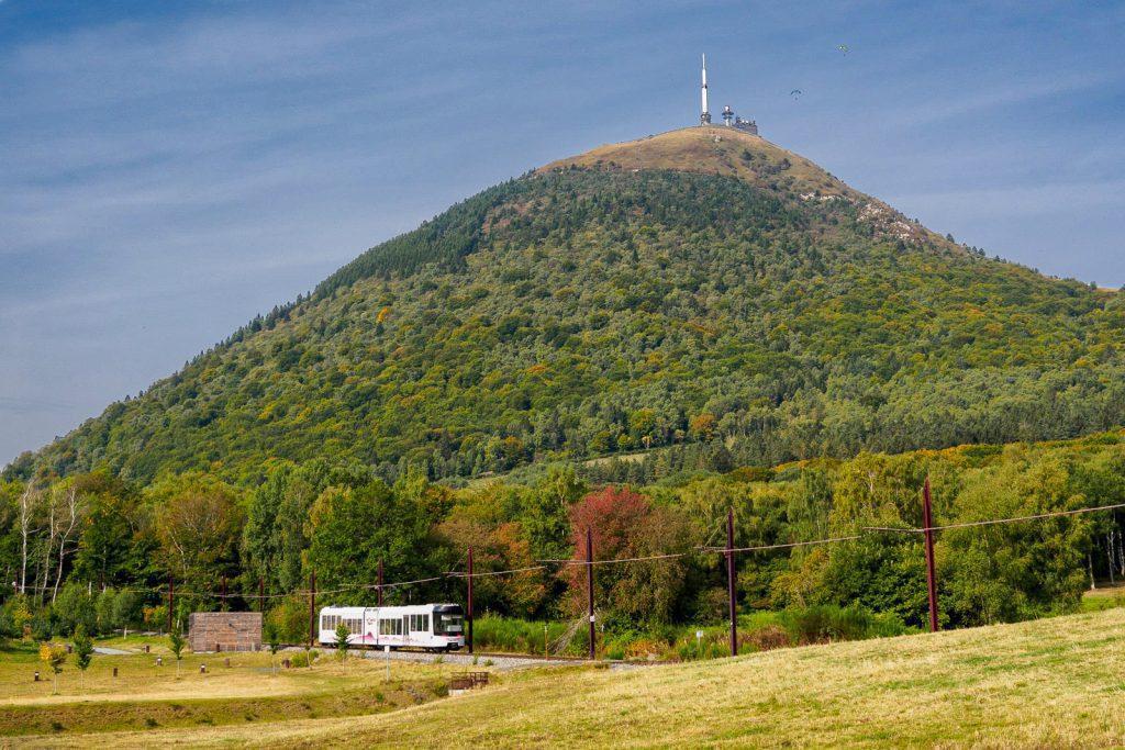 Panoramique des Dômes am 'Puy de Domes