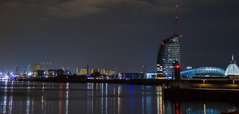 Bremerhaven, Skyline bei Nacht