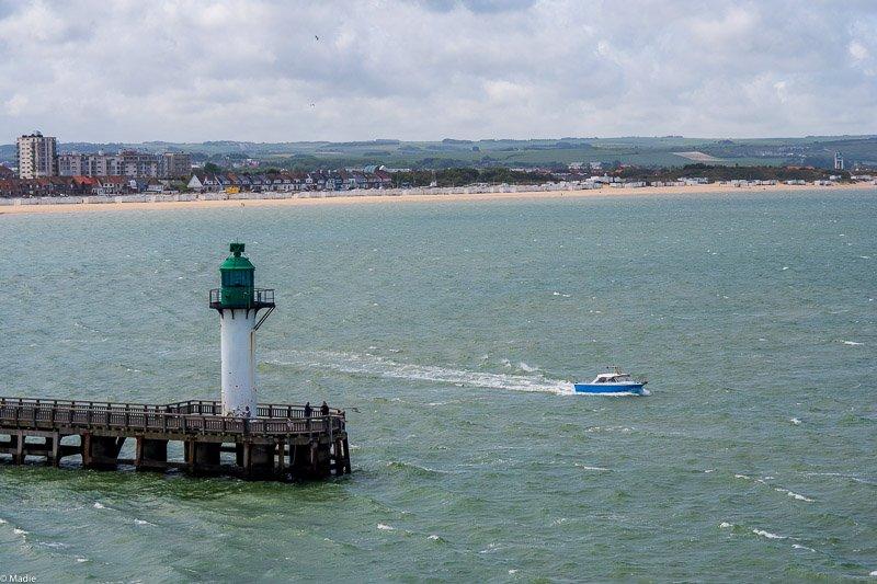Calais, die Hafenausfahrt
