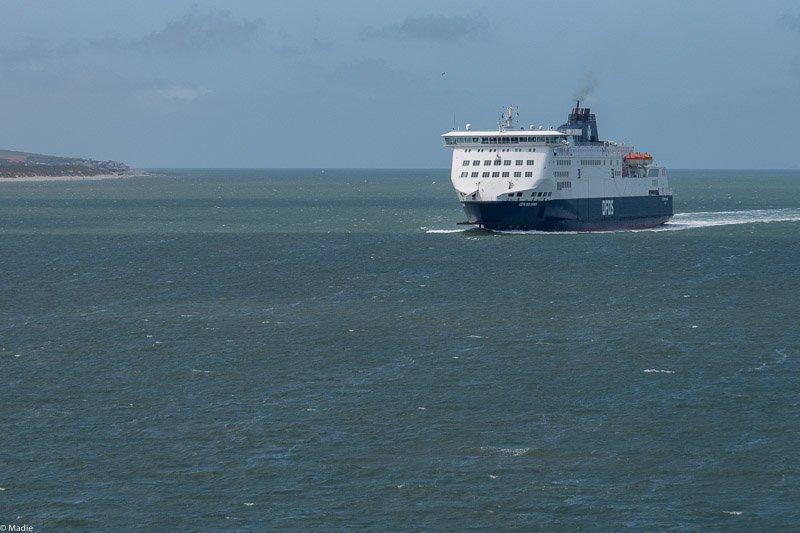 Calais, Fähren bei der Arbeit