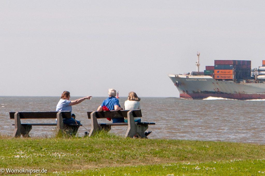 An der Elbe gibt es immer etwas zu sehen, Otterndorf, Schiffsverkehr