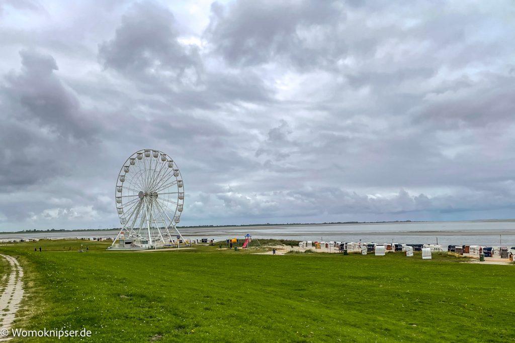 Strand bei Wilhelmshaven mit Wilhelmshaven Eye