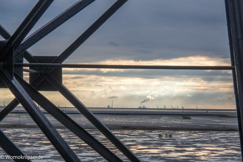 Blick Richtung Wilhelmshaven Dorum, Leuchtturm Eversand