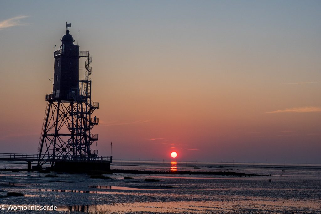 Sonnenuntergang in Dorum, Leuchtturm Eversand