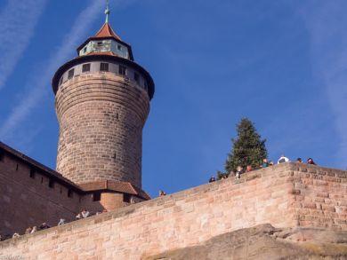 Nürnberg Blick zur Burg und zum Sinwellturm