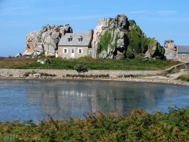 le Gouffre Das Haus zwischen den Felsen