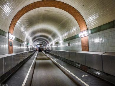 Hamburg alter Elbtunnel