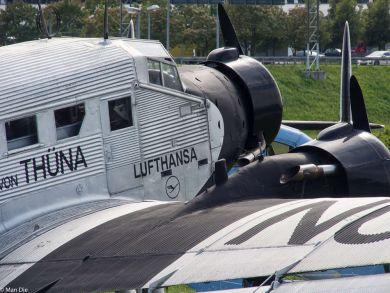 historische Flugzeuge Flughafen München