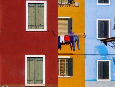 Burano bunte Häuser mit Wäsche