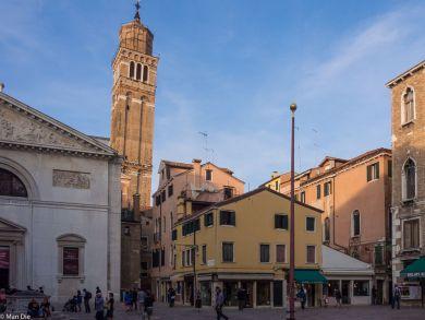 Venedig, schiefer Kirchturm