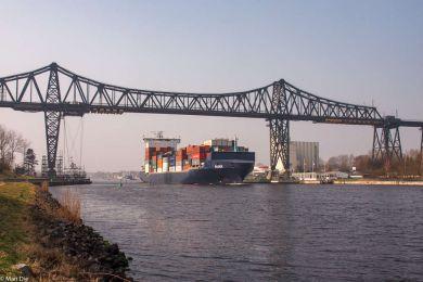 Schiffe an der Rendsburger Hochbrücke